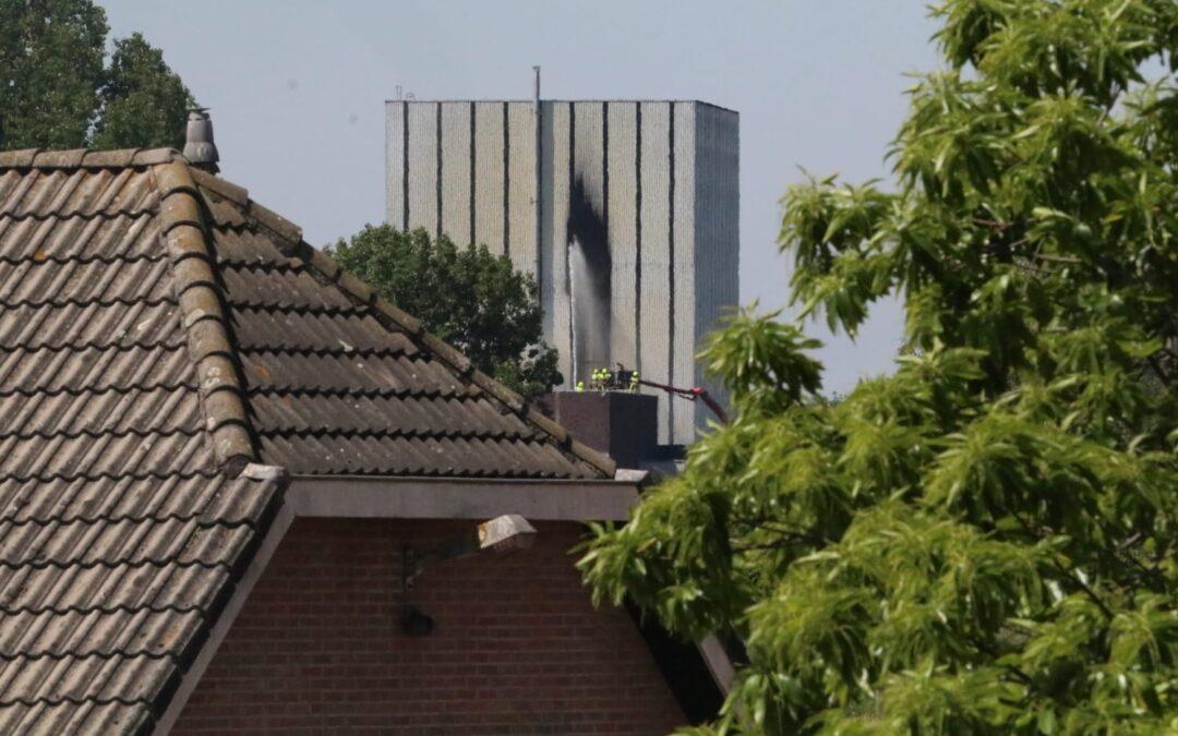 Zeer grote brand in voormalige kernenergiecentrale in Dodewaard
