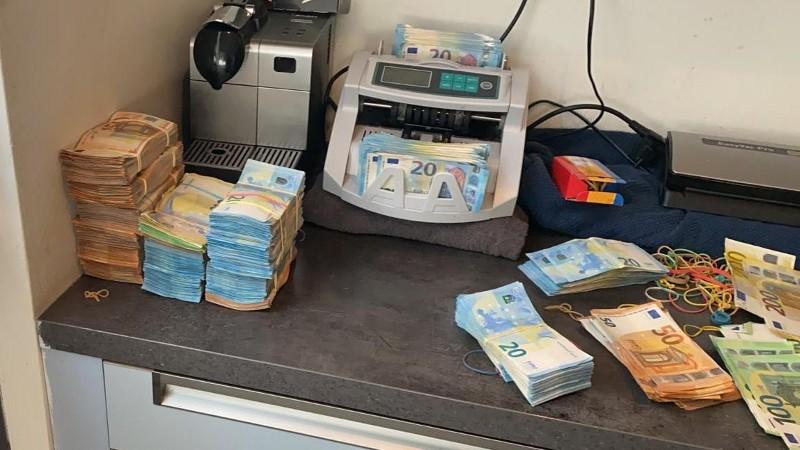 Leegstaand pand huisvest cocaïne en € 275.000 Slotstraat Rotterdam Kralingen