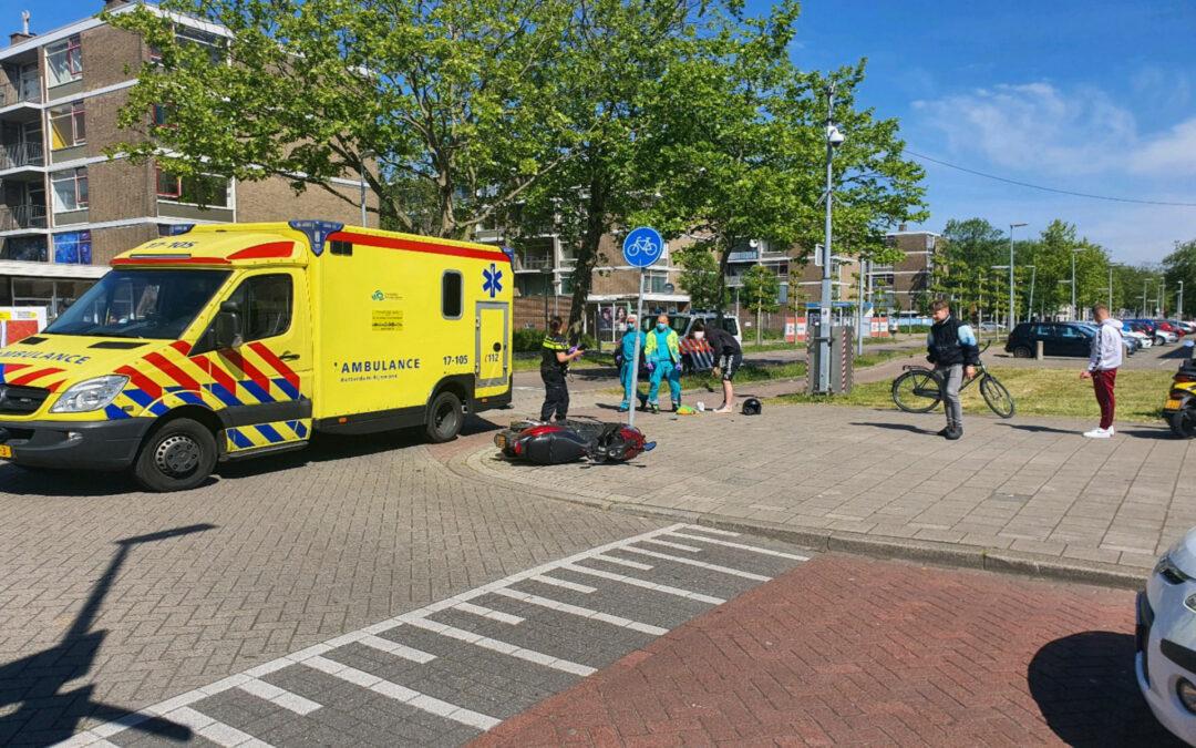 Bromfietser aangereden door bestelwagen Parkweg Schiedam