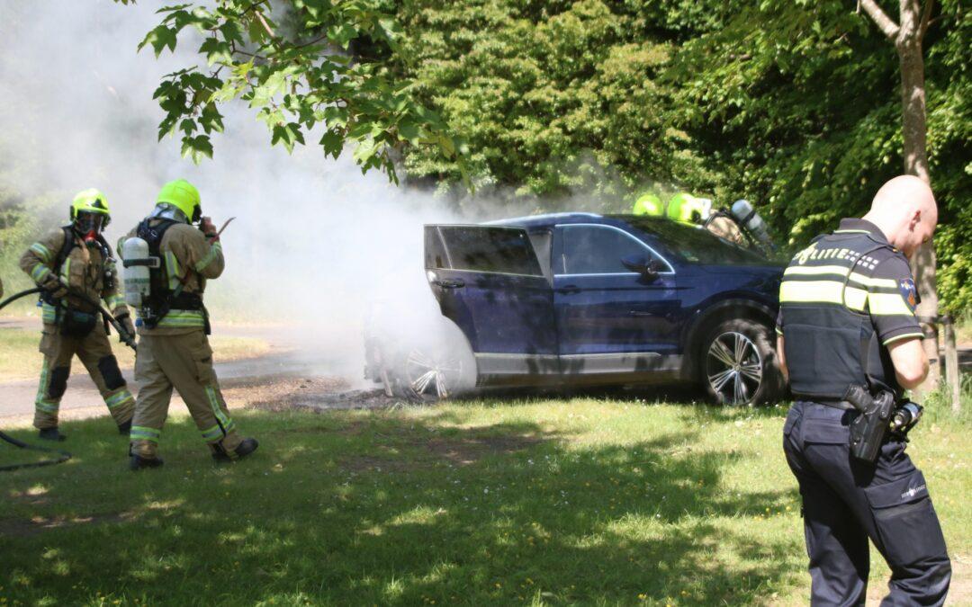 Auto flink beschadigd na brand Gorslaan Oostvoorne