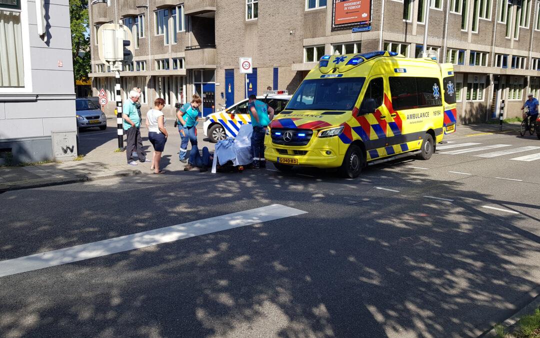 Scooterrijder gewond na aanrijding met auto Blekerssingel Gouda