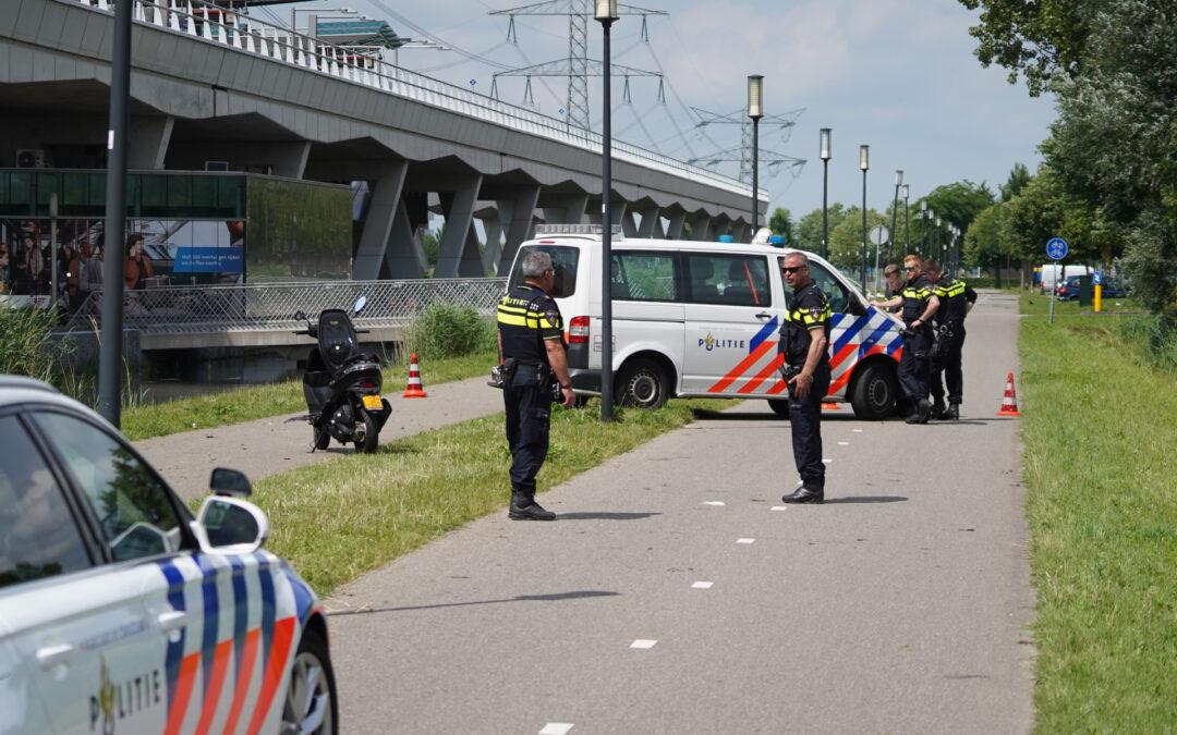 Brommerrijder raakt fietsster na uitwijkmanoeuvre Laan van Dada Rotterdam