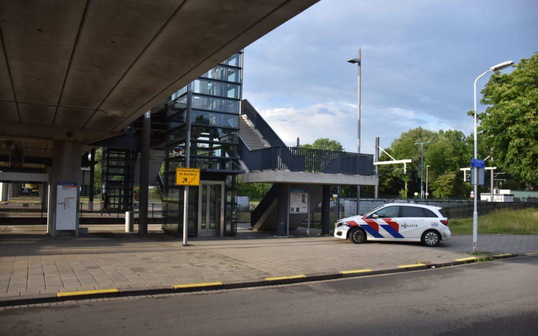 Twee gewonden en drie aanhoudingen na steekpartij busstation Zoetermeer