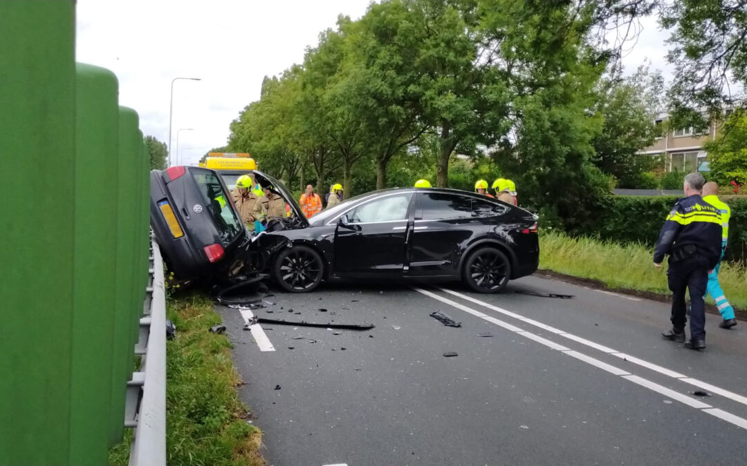 Enorme ravage na zwaar ongeval op Overbuurtseweg (N209) in Bleiswijk