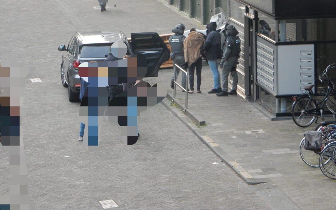 Arrestatieteam houdt drie mannen aan in Rotterdam na gewelddadige overval op vrachtwagenchauffeur