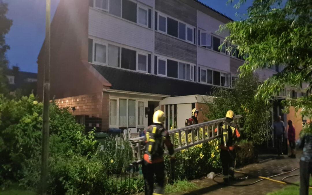 Brandlucht in woning na mogelijke blikseminslag Rietzoom Gouda