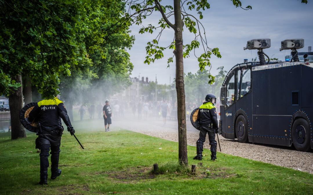 Tiental mensen nog vast na ongeregeldheden in Den Haag