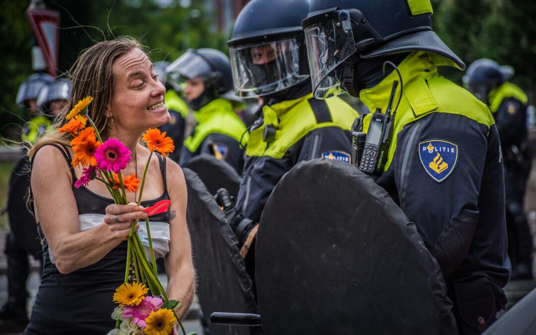 Demonstratie Virus Waanzin wederom verboden; organisatie wil ondanks verbod naar Den Haag