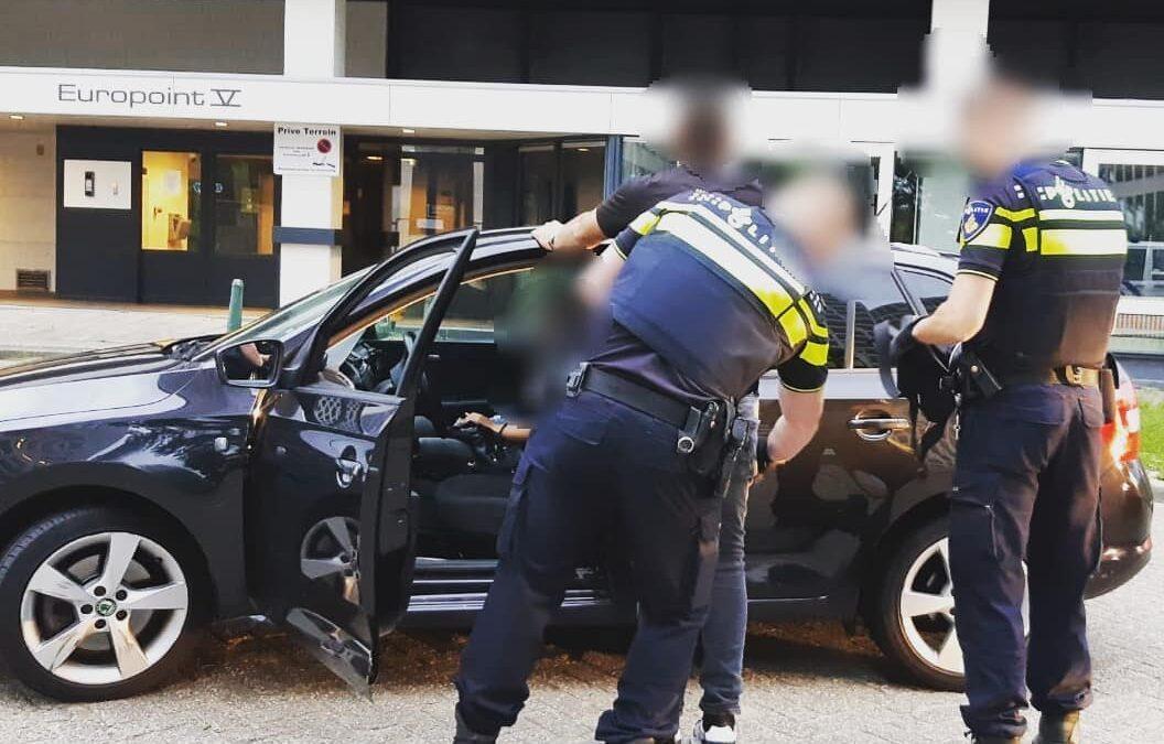 Politie haalt asociale alcomobilist van de weg in Rotterdam