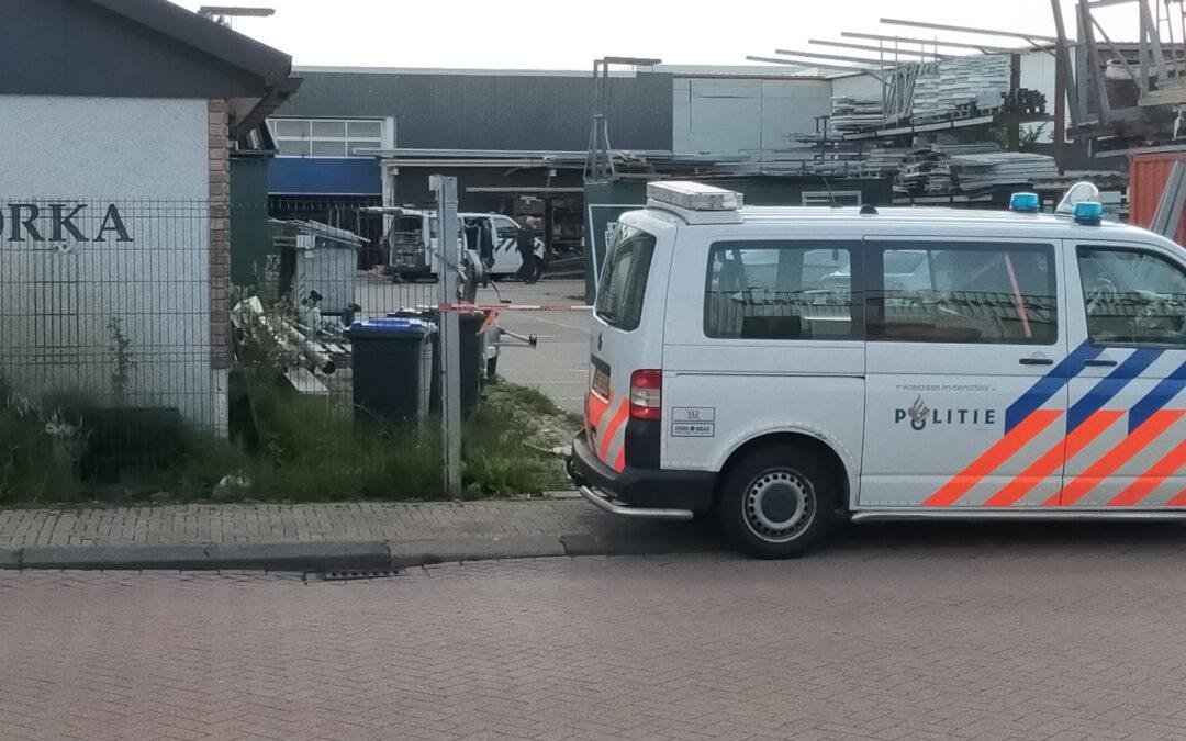 Arrestatieteam doet inval in pand op industrieterrein Industrieweg Berkel en Rodenrijs