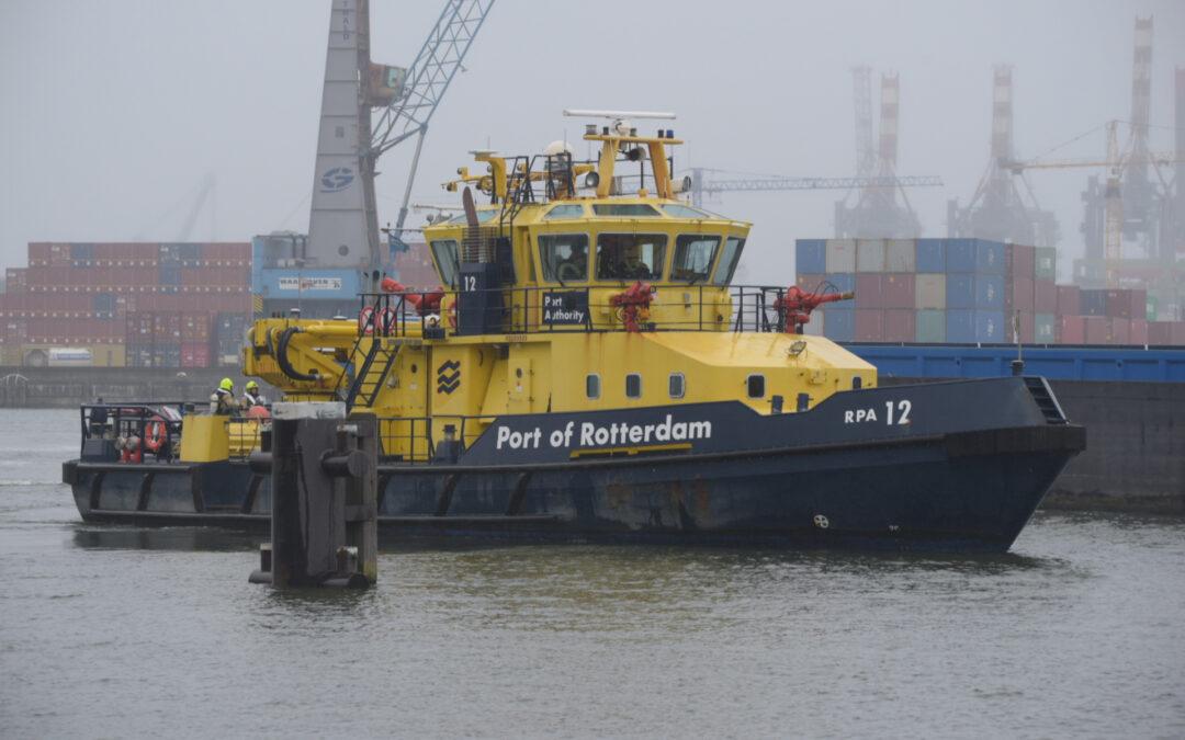 Brand op vrachtschip Dimitris S in Rotterdamse Waalhaven is na uit