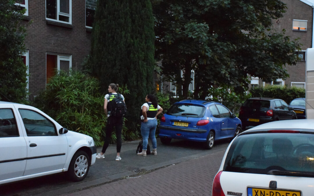 Politie valt woning binnen C. Busken Huetstraat Gouda