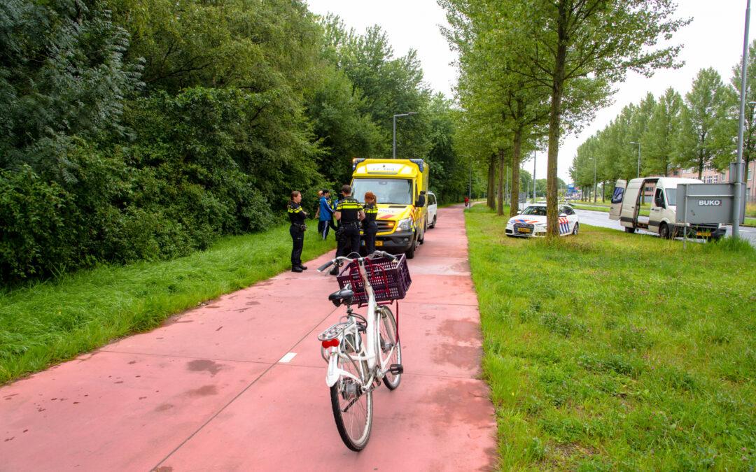 Jongedame met fiets valt en raakt gewond IJsselmondse Randweg – S104 Rotterdam