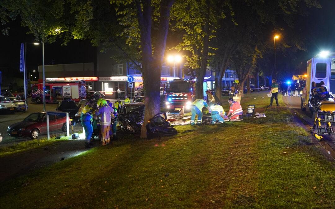 Drie zwaargewonden na ernstig ongeluk van Beethovensingel Vlaardingen (video)