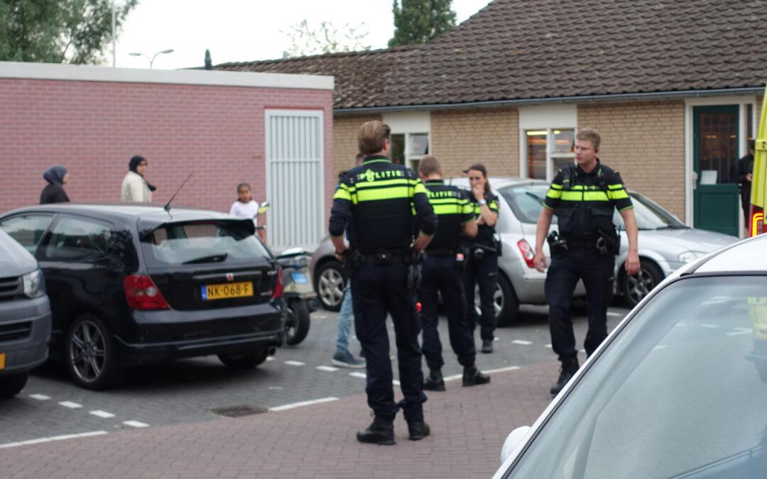 Bestuurder snorscooter gewond na aanrijding met auto Herenstraat Gouda