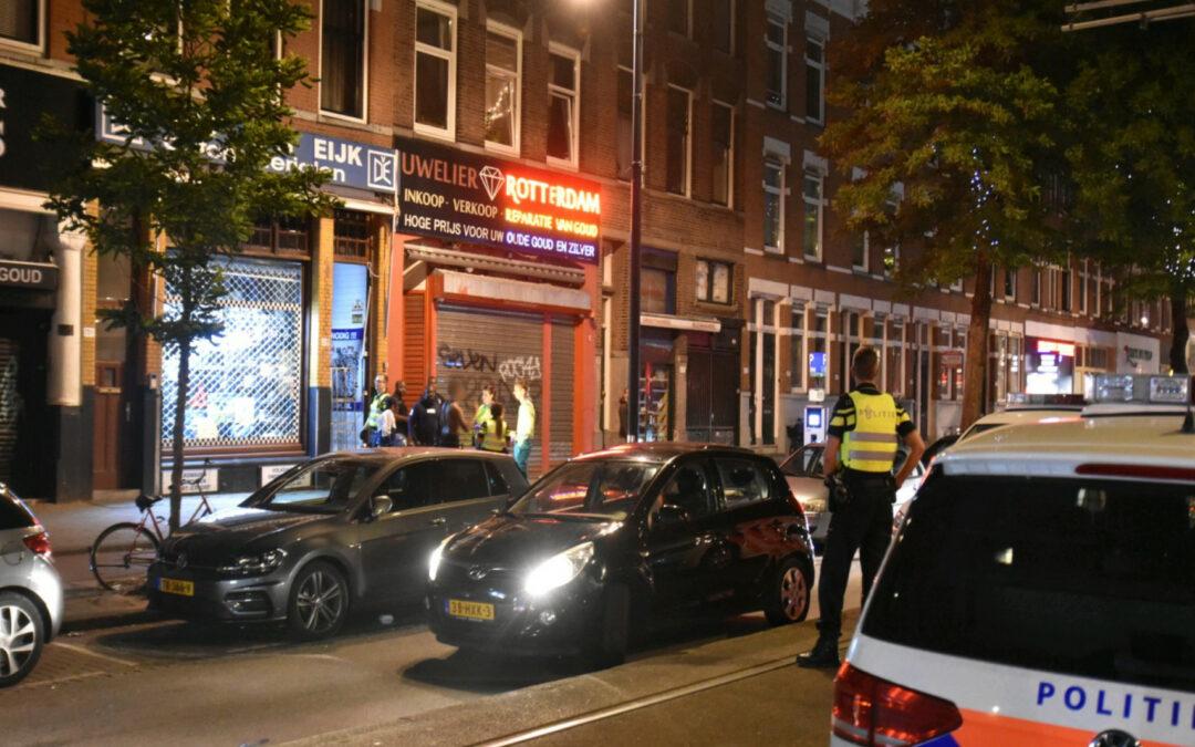 meerdere personen aangehouden na mogelijk steekpartij 1e Middellandstraat Rotterdam