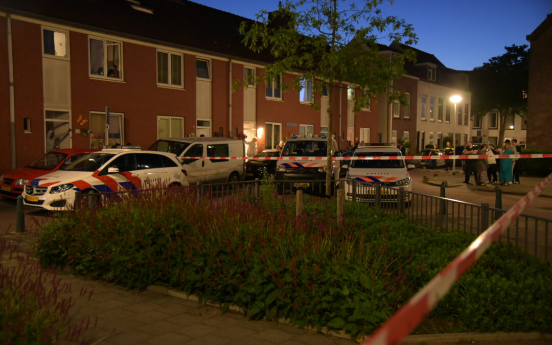 Man neergestoken bij woningoverval aan Narcissenstraat in Rotterdam