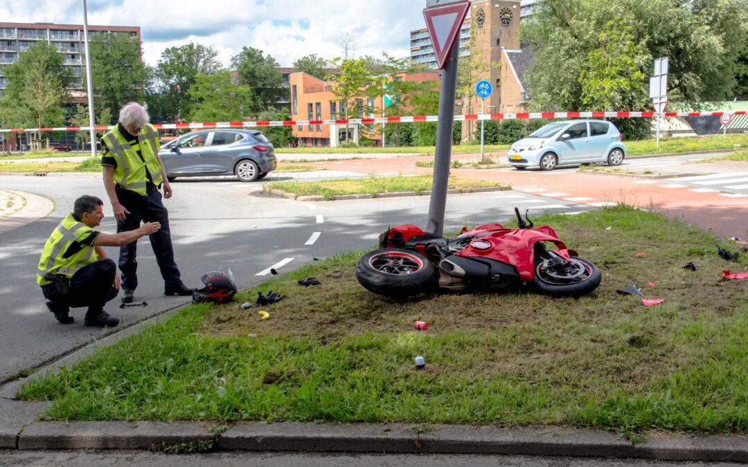 Motorrijder zwaargewond na eenzijdig ongeval Groene Kruisweg – S102 Hoogvliet Rotterdam