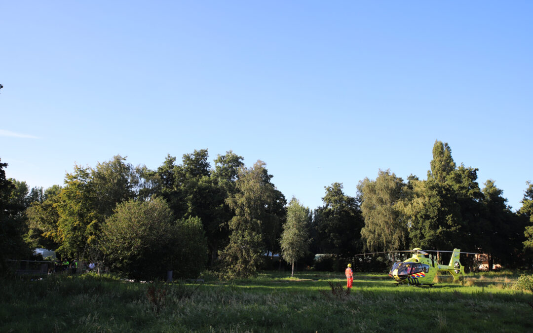 Man overleden na val in sloot Wollefoppenpark Paul van Ostaijensingel Rotterdam
