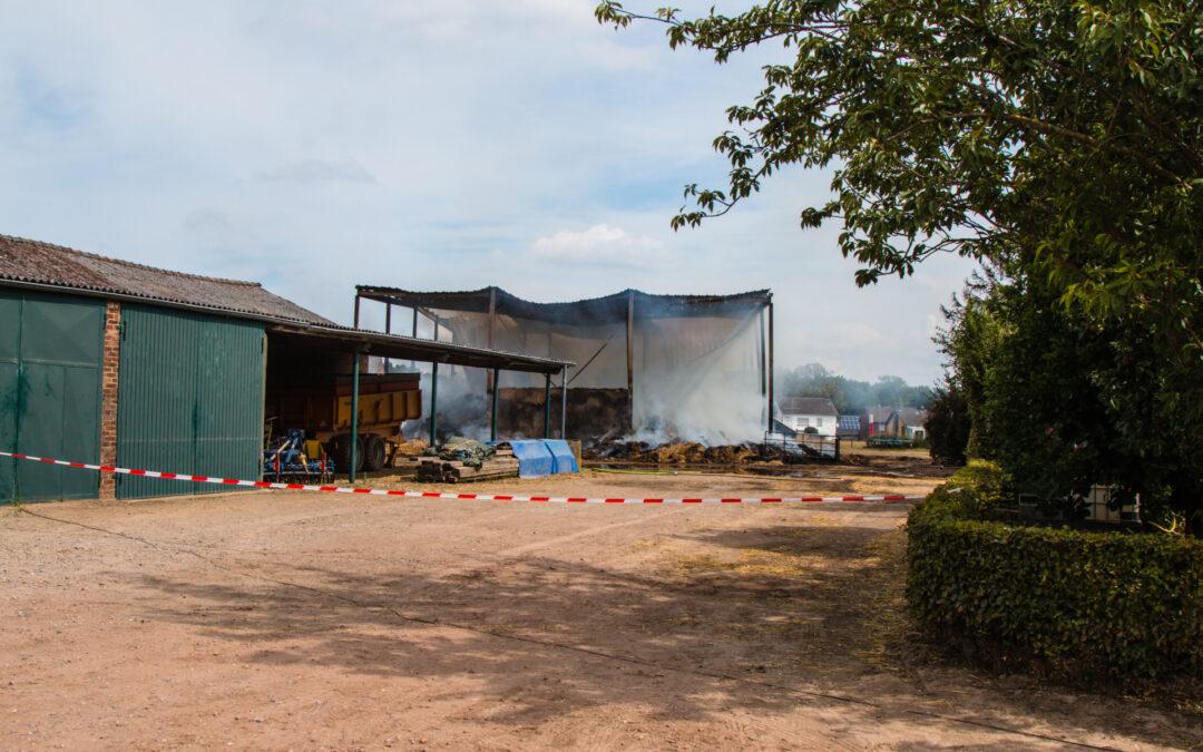 Grote hinder van stank van grote brand net over de grens Wehrerweg Sittard