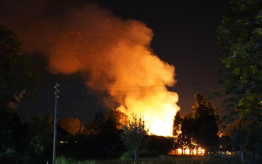 Grote schuurbrand vol met hooi Kerkweg Reeuwijk