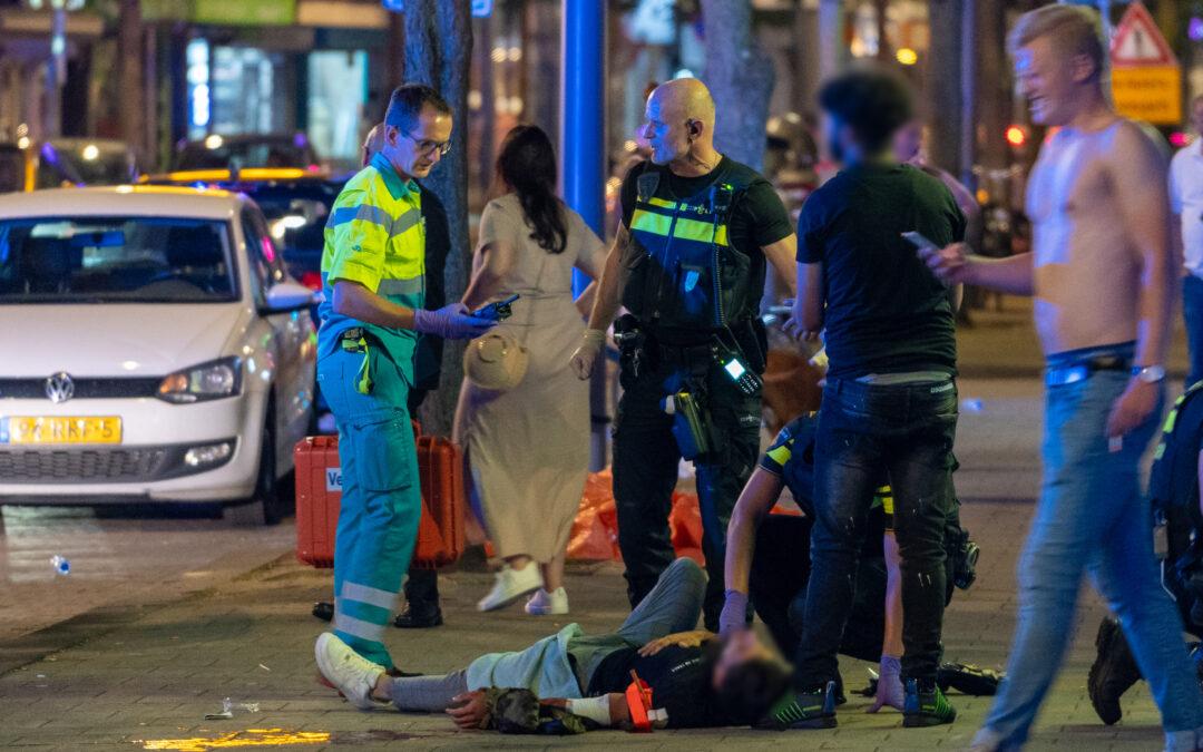 Twee ernstig gewonden na steekpartij Zwart Janstraat Rotterdam