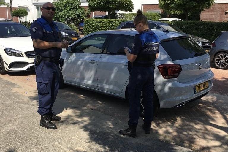 Bekeuringen en wegslepen van voertuigen als maatregel tegen verkeerd parkeren in Rotterdam Nesselande