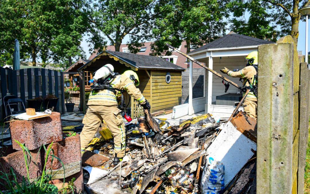 Brand ontstaan in tuin achter woning Laurierdonk Spijkenisse