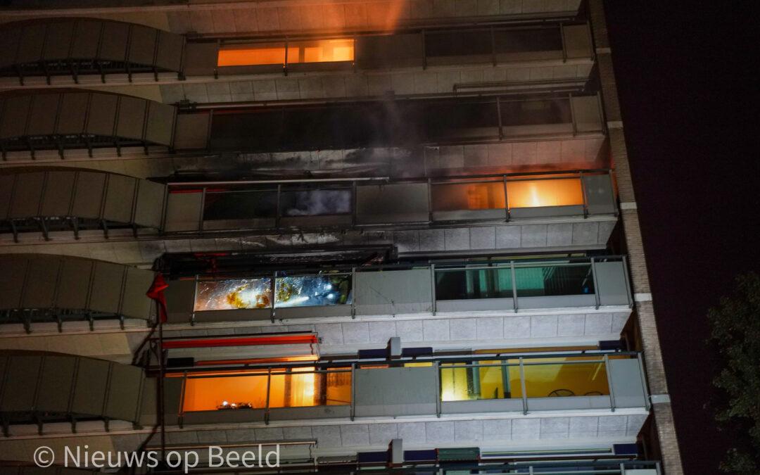 Flinke brand verwoest flatwoning Ameidestraat Rotterdam