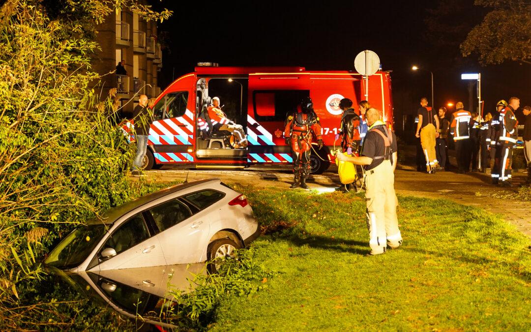 Automobilist raakt te water Zuidplaslaan Nieuwerkerk aan den IJssel