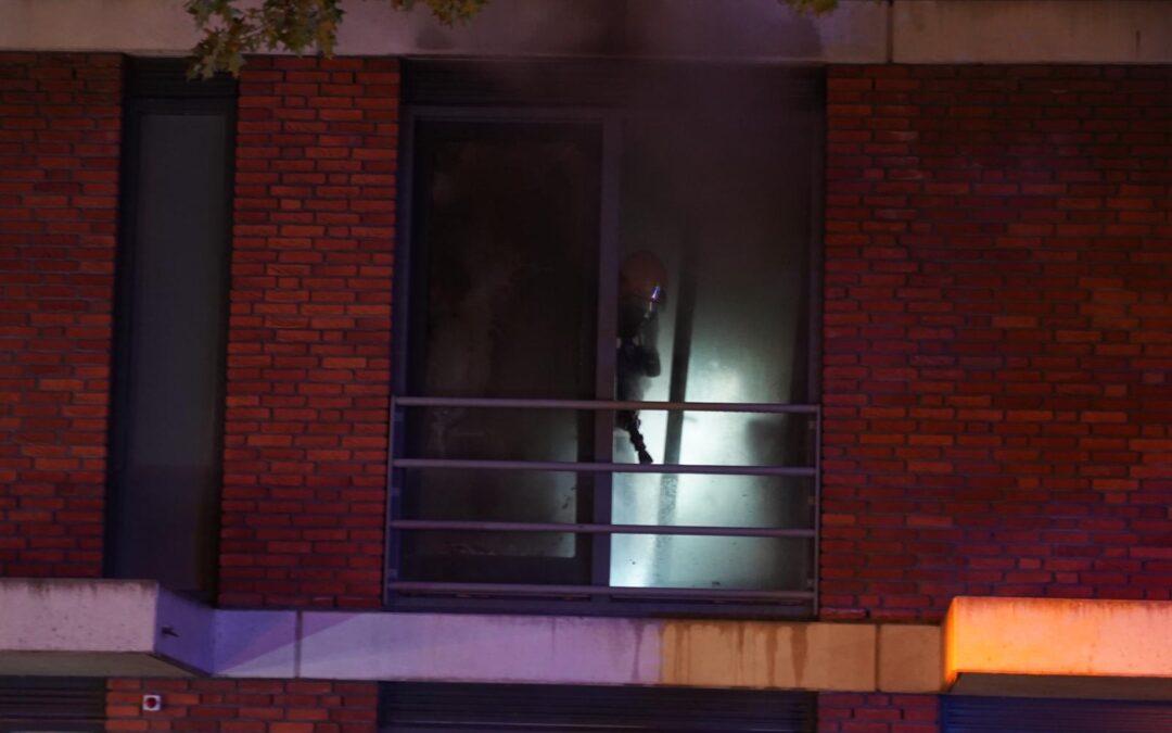 Korte hevige brand in woning aan Laan van Avant-Garde in Rotterdam
