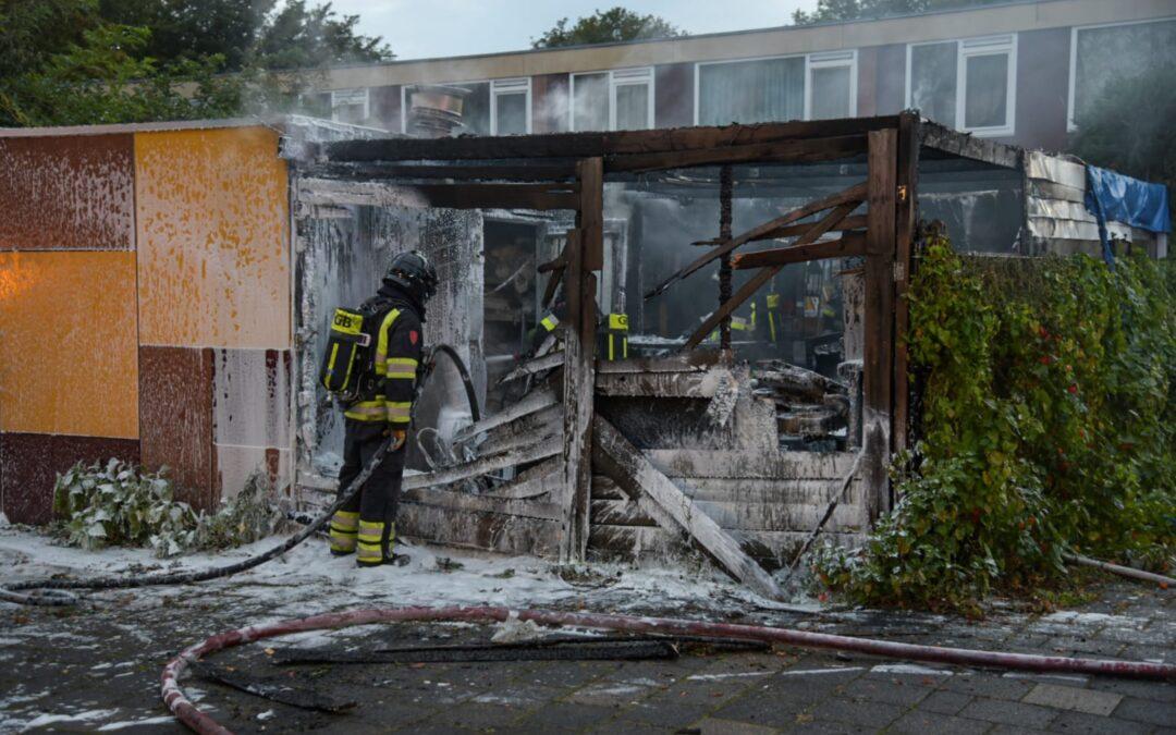Flinke brand verwoest schuur Curcumastraat Hoogvliet