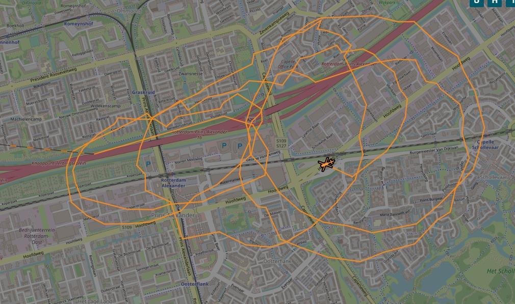 Vluchtauto schietpartij Duitsland aangetroffen bij winkelcentrum Alexandrium Rotterdam